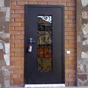 Каталог входных металлических дверей из категории «с ковкой»